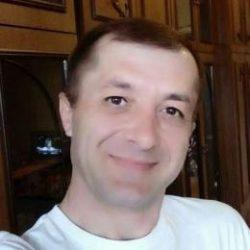 Молодой парень ищет девушку в Новосибирске для жарких встреч