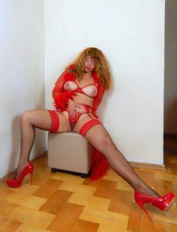 Приглашу интересного мужчину на чай, но без чая! Сексуальная девушка из Новосибирска